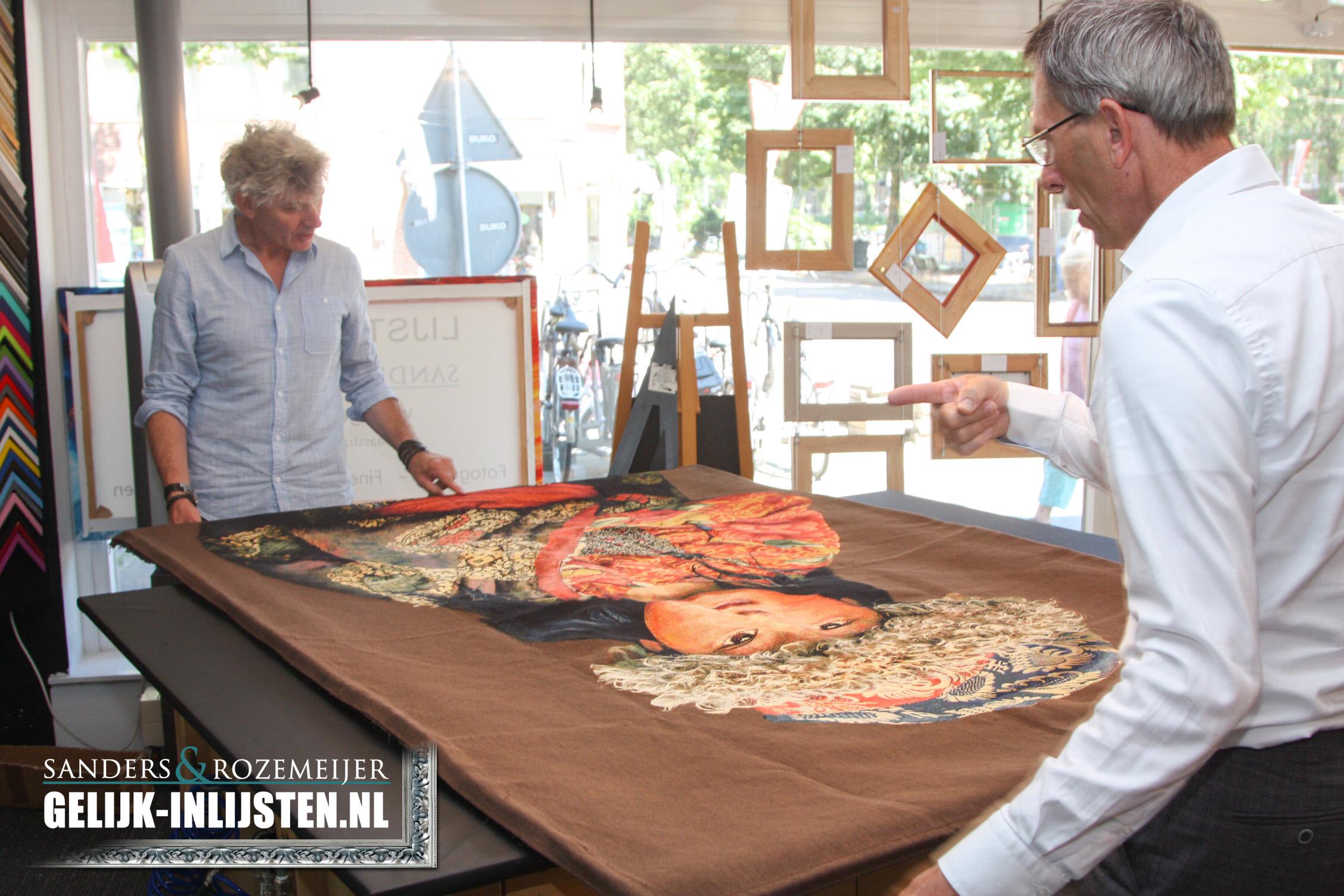 Groot doek opspannen Lijstenmakerij Amsterdam