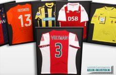 Voetbalshirts inlijsten in Amsterdam